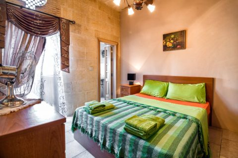 5 bd room farmhouse gozo