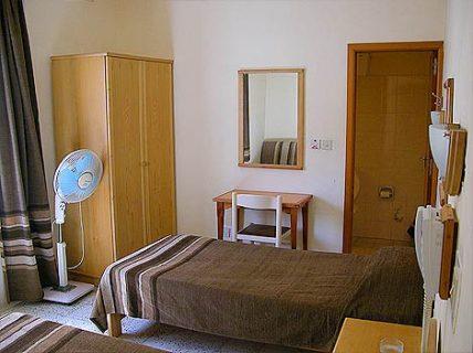 Electra Bedroom Closet