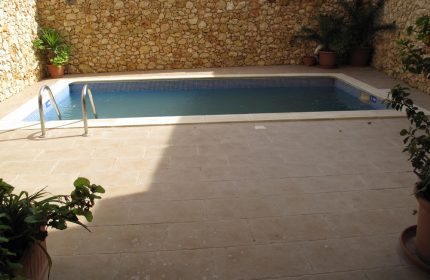 Ta Guza Farmhouse Pool