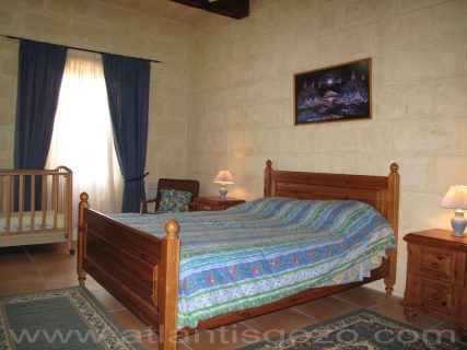 Ta Guza Farmhouse Double Bed