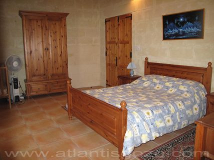 Ta Guza Farmhouse Doublebed