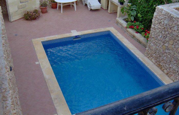 Ta Karmnu Farmhouse Pool