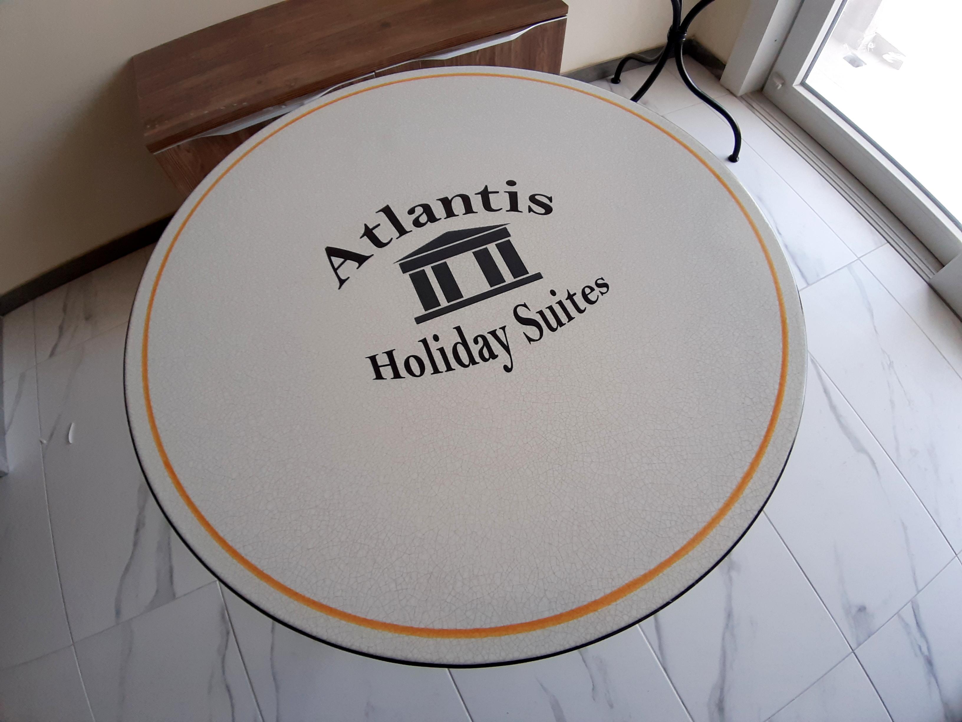 Atlantis Holiday Suites_lavastone table