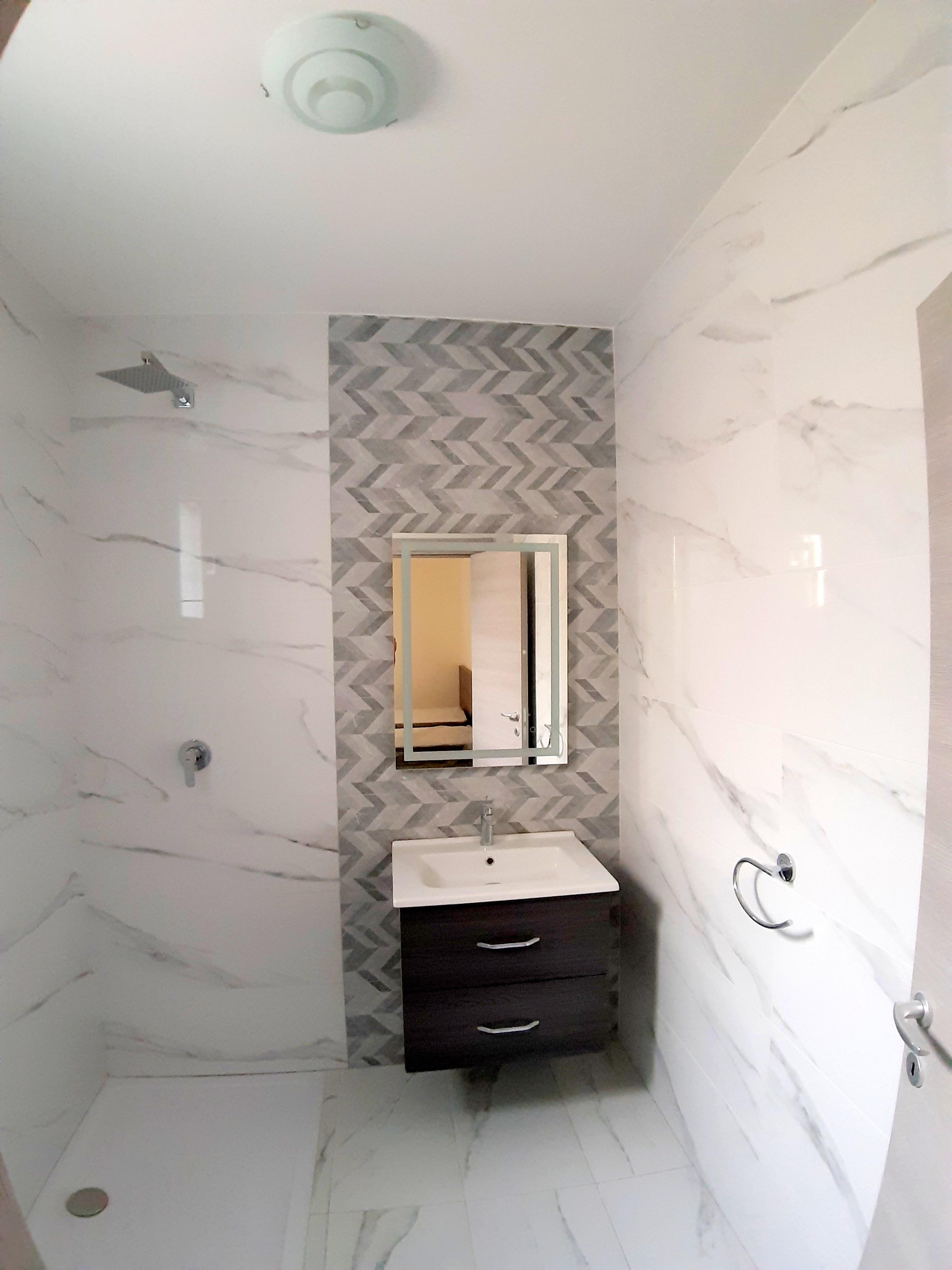 Atlantis Holiday Suites_bathroom