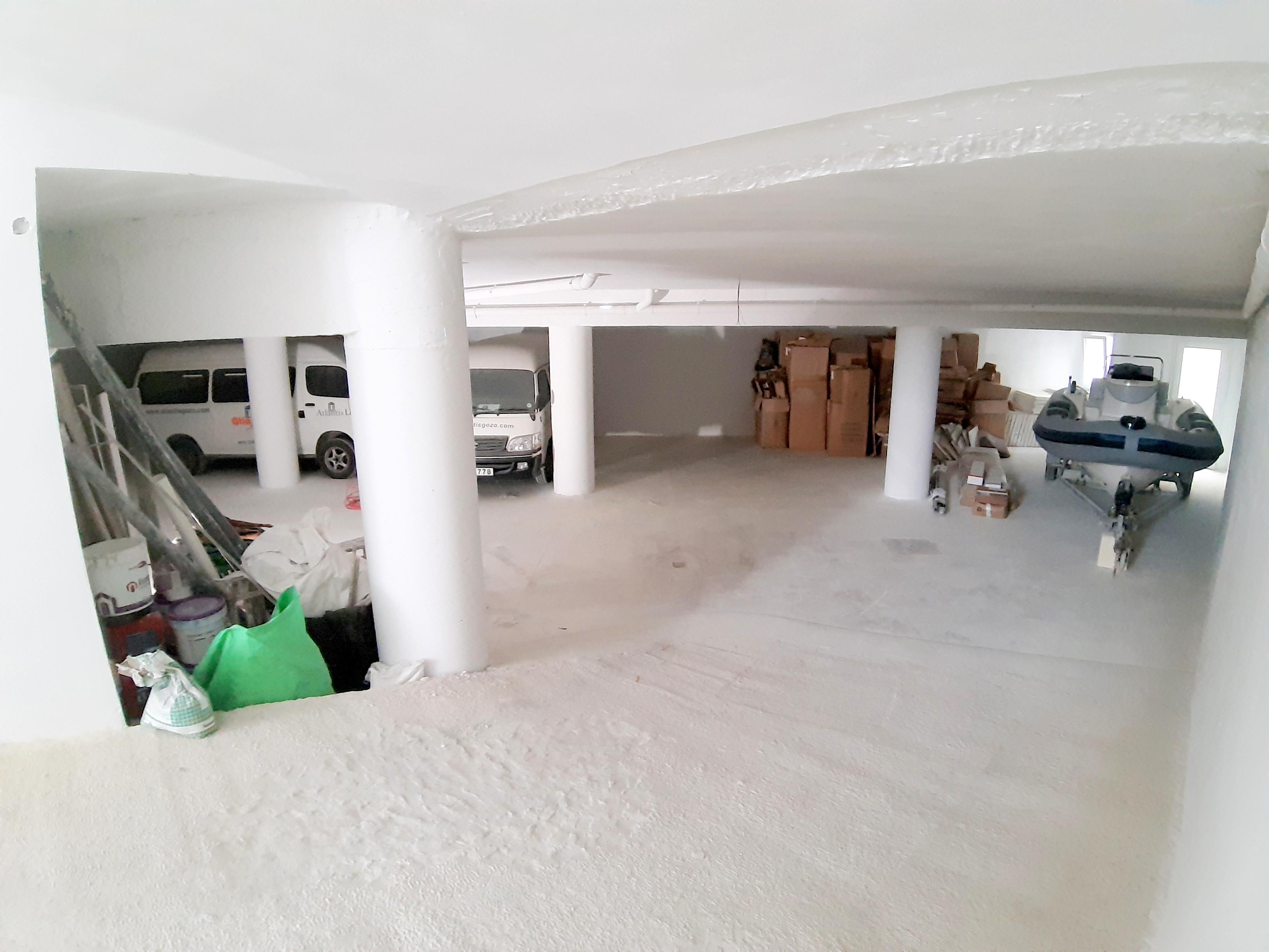 Atlantis Holiday Suites_garage