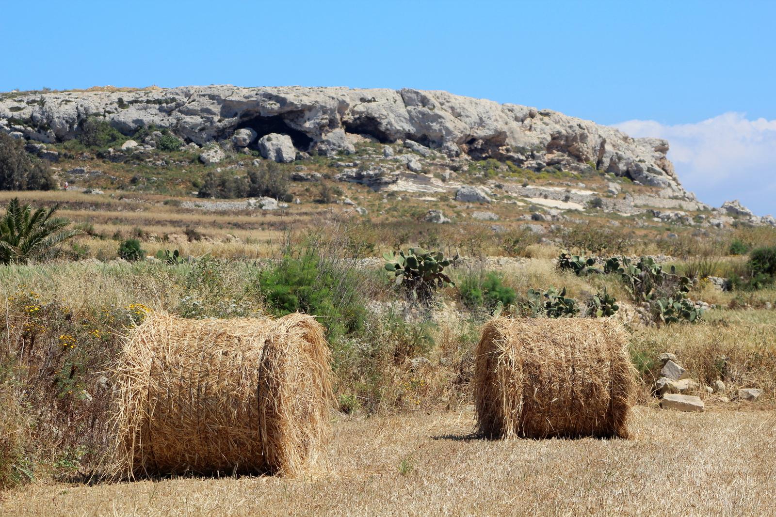 Għajn Abdul Plateau from distance
